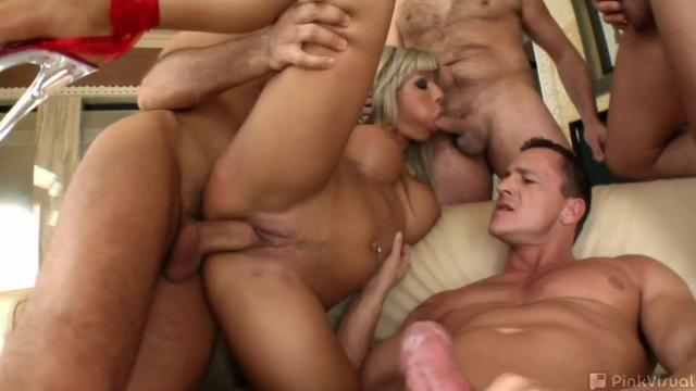 porno-video-troynogo-proniknoveniya