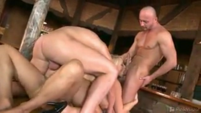 porno-video-tolpoy-trahnuli